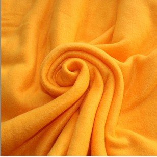 Плед флисовый светло-оранжевый